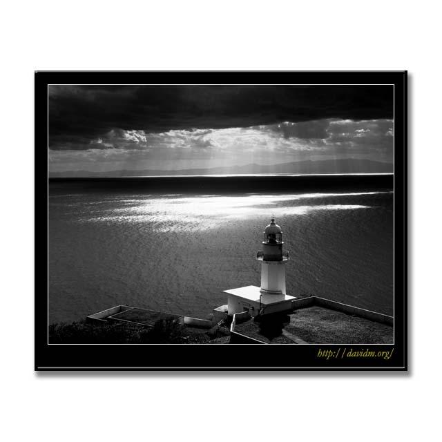 冬空の地球岬灯台 B&W