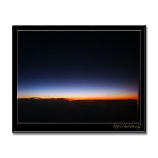 ハワイ機上の夜明け