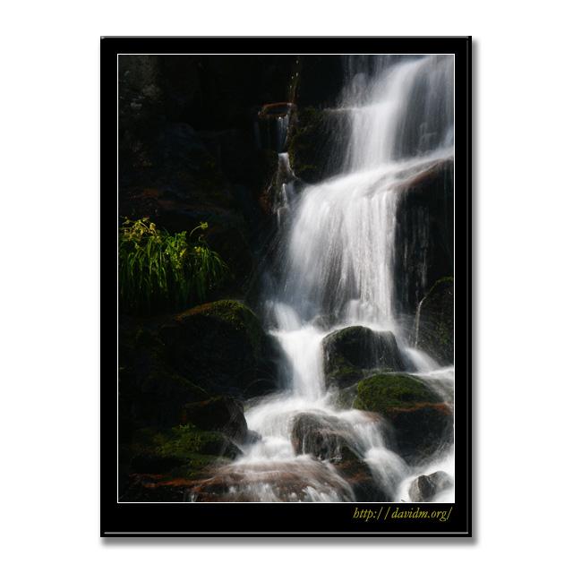 夏の美笛の滝