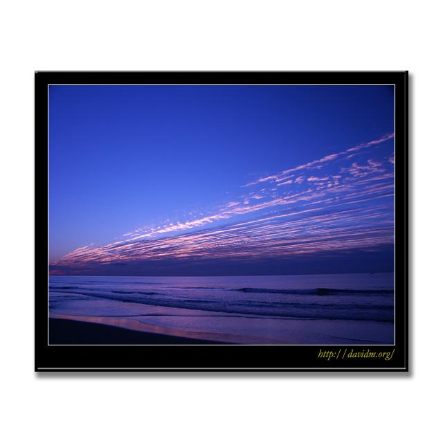 イタンキを横切る朝の雲