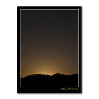 ゆっくりと夜が明けるクッタラ湖の空