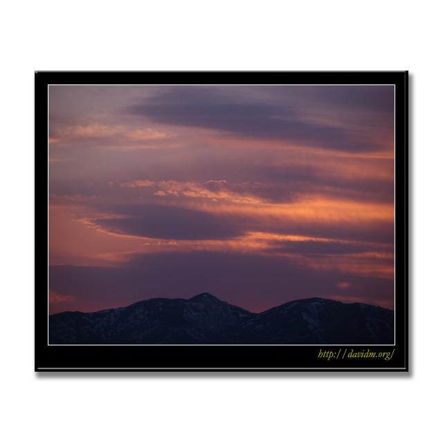夕陽に染まる札内高原の空