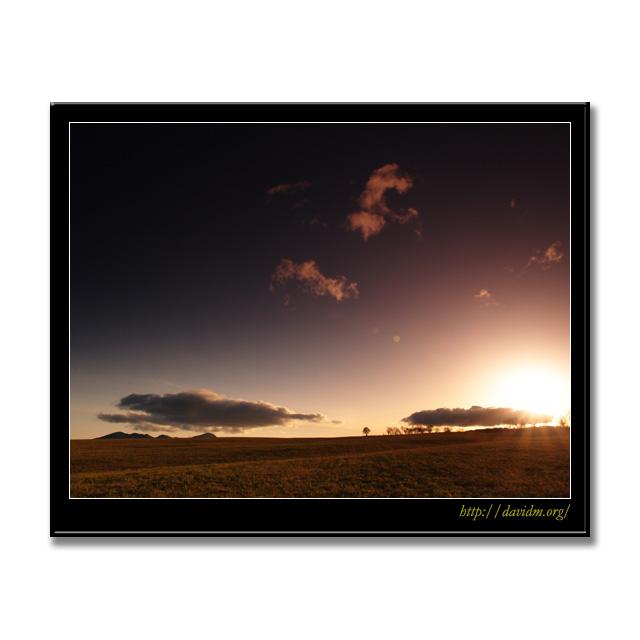 札内高原に沈む夕陽