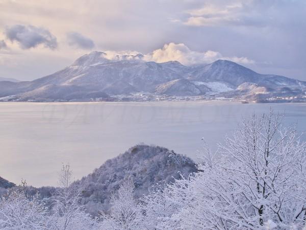 有珠山と樹氷の写真