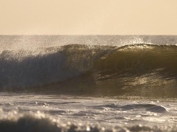 イタンキの波の写真