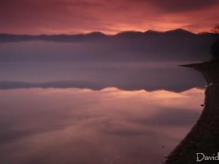 朝霧のクッタラ湖