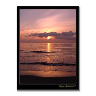 波が穏やかなイタンキの朝