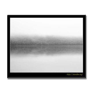 霧のクッタラ湖 B&W