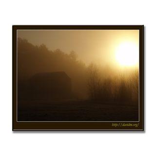 アメリカ合衆国ケンタッキー州 朝靄の小屋