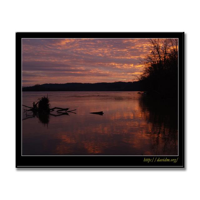 ケンタッキー州 夕暮れのオハイオ川