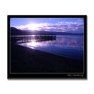 朝の洞爺湖の桟橋