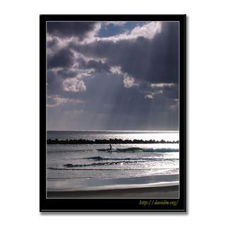 朝陽が注ぐイタンキでサーフィン