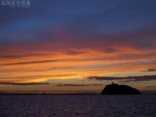 今月の壁紙: 大黒島の夕陽