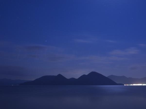 月夜の洞爺湖