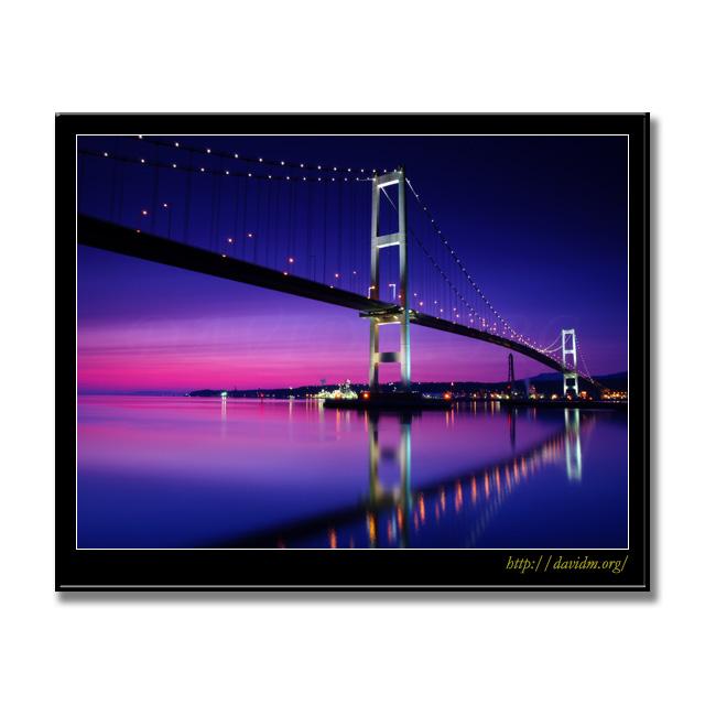 室蘭市の白鳥大橋の夜景の写真