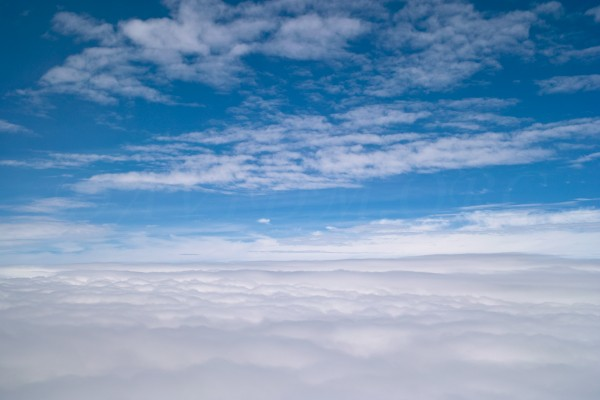 音階の上の雲