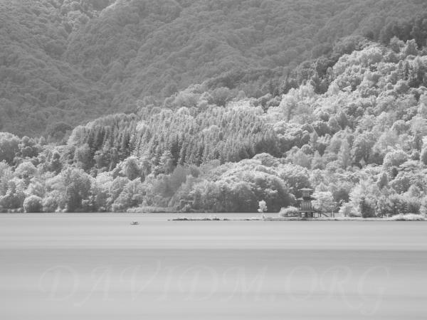 洞爺湖の浮見堂 赤外線写真