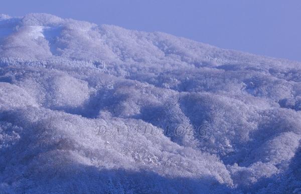大雪の後の洞爺湖周辺の山