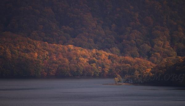 洞爺湖畔の入江