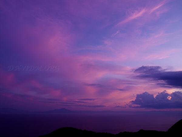 室蘭から見る駒ケ岳と夕陽