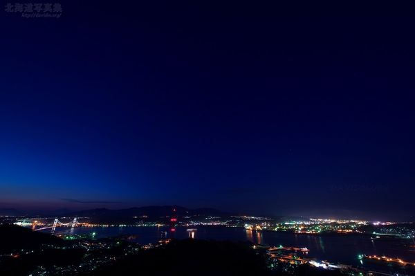 今月の壁紙: 室蘭の夜景