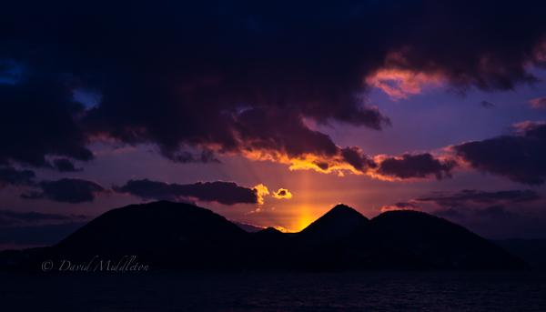 夕暮れの洞爺湖