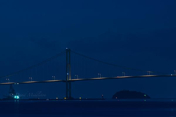 夜の白鳥大橋