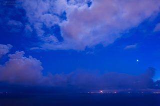 今月の壁紙: 噴火湾と金星