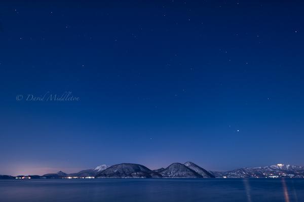 満月の洞爺湖