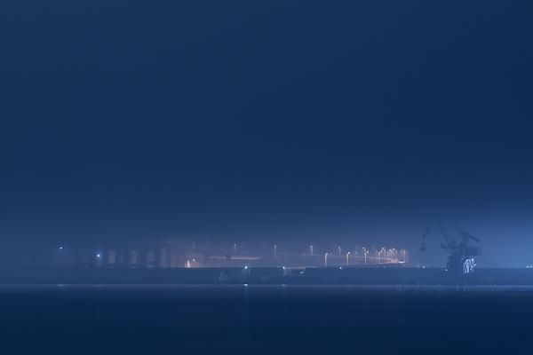霧と白鳥大橋