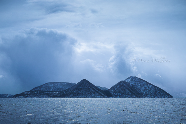 雪雲と洞爺湖