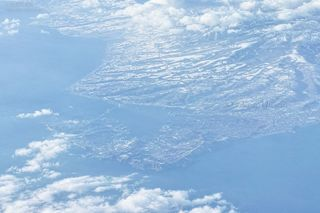 今月の壁紙: 空から見る室蘭
