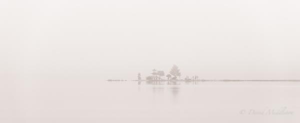 霧の浮見堂 洞爺湖