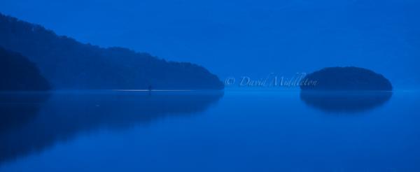 夜明け前 洞爺湖の浮見堂