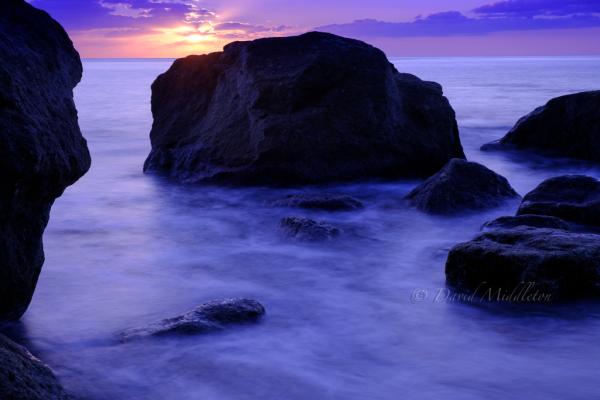 イタンキ浜の朝の写真