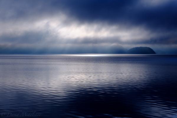 洞爺湖の朝陽の写真